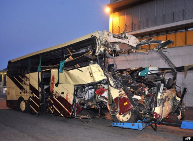 Accident de bus en Suisse: 28 personnes dont 22 enfants trouvent la mort dans un