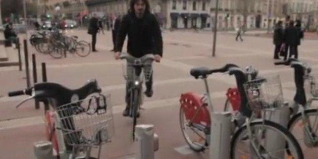 VIDÉOS - Vélib' retrouvé dans une station VéloV' à Lyon: le Studio Bagel de YouTube à l'origine du