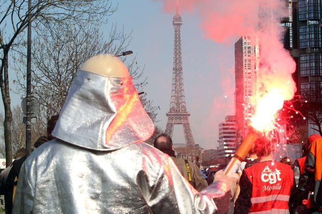 ArcelorMittal: au QG de Sarkozy, les métallos gazés - PHOTOS,