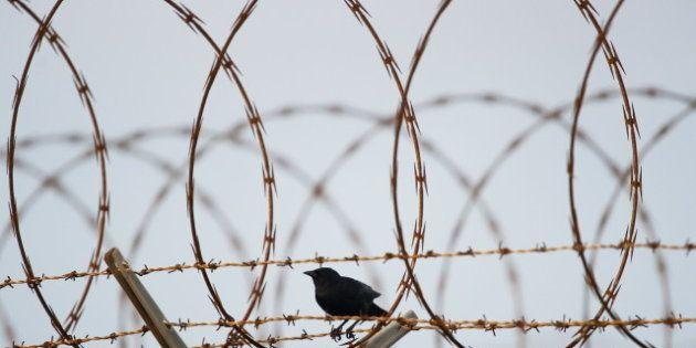 Un prisonnier brésilien essaie de s'enfuir mais reste