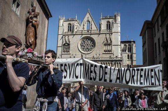 Catholiques: manifestations à Lyon et à