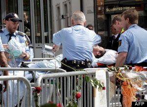 Procès Breivik: un homme tente de s'immoler par le feu devant le tribunal d'Oslo- PHOTOS