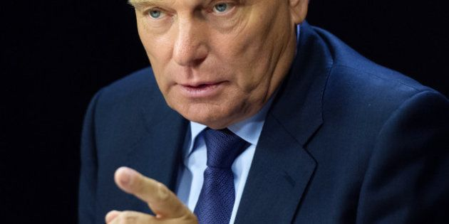 Exil fiscal : Ayrault trouve