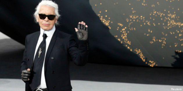 Karl Lagerfeld, le directeur artistique de Chanel, révèle (enfin) son