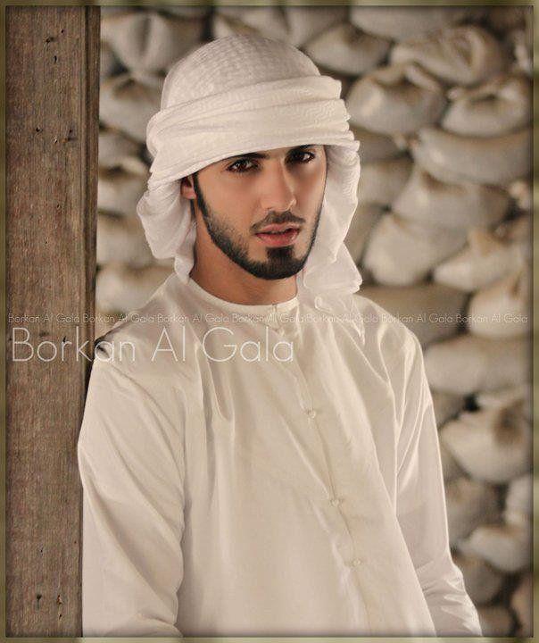 L'homme expulsé d'Arabie Saoudite car ''jugé trop beau'', révèle enfin la vérité