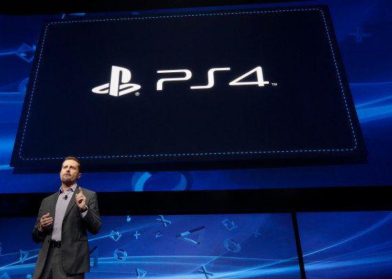VIDÉOS. PHOTOS. PlayStation 4: la manette présentée en