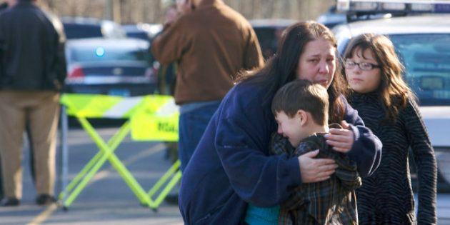 Connecticut : fusillade dans une école primaire de Newtown, 27 morts, dont 20