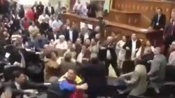 Venezuela: bagarre à l'Assemblée entre députés chavistes et de