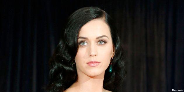 Katy Perry: son père pasteur la traite
