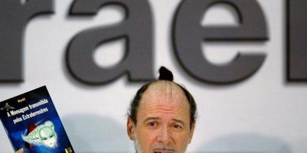 PHOTOS. Raël soutient Gérard Depardieu et son exil