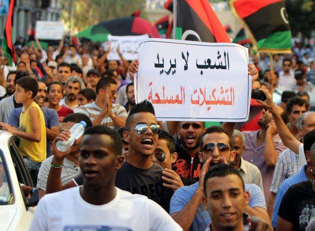 PHOTOS. VIDÉO. Des habitants de Benghazi se rebellent contre les milices et délogent le groupe salafiste...