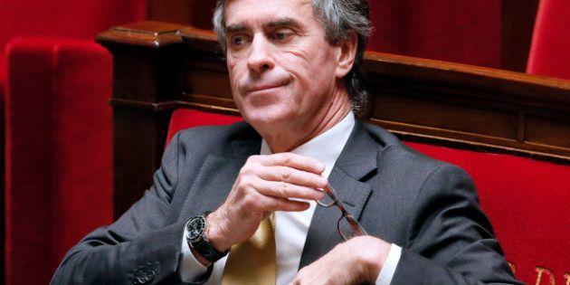 Gérard Depardieu: Cahuzac, ministre du Budget, suggère que ceux qui vivent à l'étranger paient des impôts...