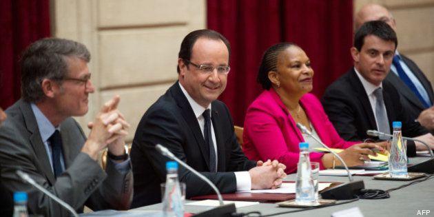 Hollande et le remaniement: aucun ministre