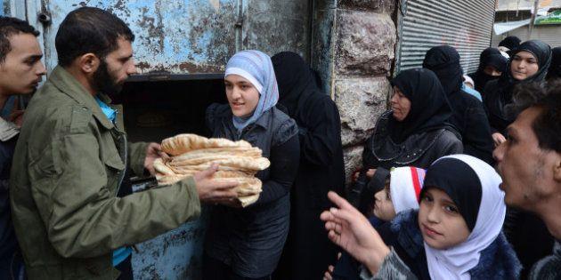 Syrie: raid aérien devant une boulangerie près de Hama, plus de 60