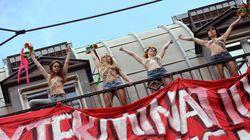 Les Femen narguent une manifestation d'extrême droite à