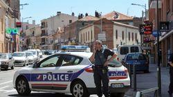 La sœur du preneur d'otages présumé de Toulouse:
