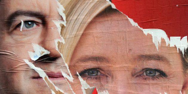Mélenchon, mis en examen pour injures, accuse Le Pen d'instrumentaliser la