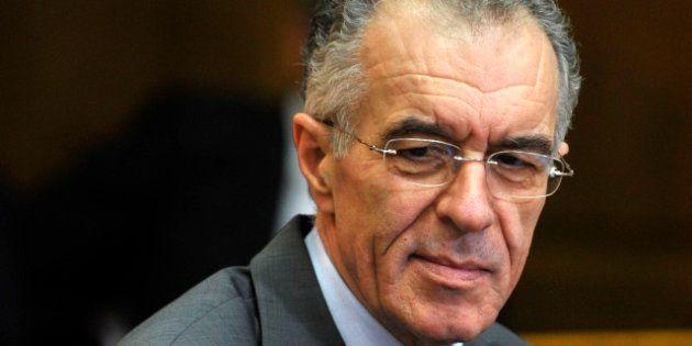 Grèce: Vassilis Rapanos renonce à être ministre des Finances, Yannis Stournaras le
