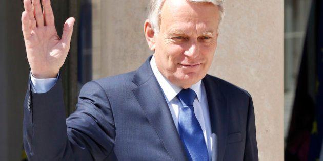 Jean-Marc Ayrault, Premier ministre le plus populaire depuis 30 ans selon
