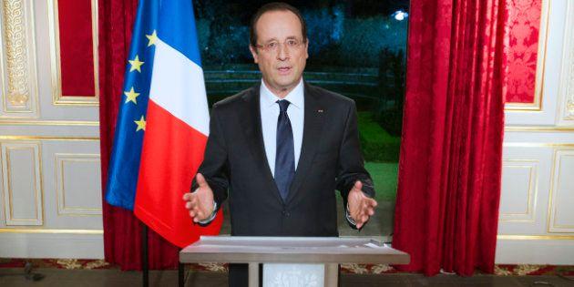 Vœux présidentiels: Hollande défend six mois tumultueux et annonce qu'en 2013 priorité sera donnée à...