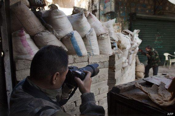 VIDÉO. PHOTOS. Syrie: Toshifumi Fujimoto, le touriste japonais qui tue l'ennui sur les lignes de