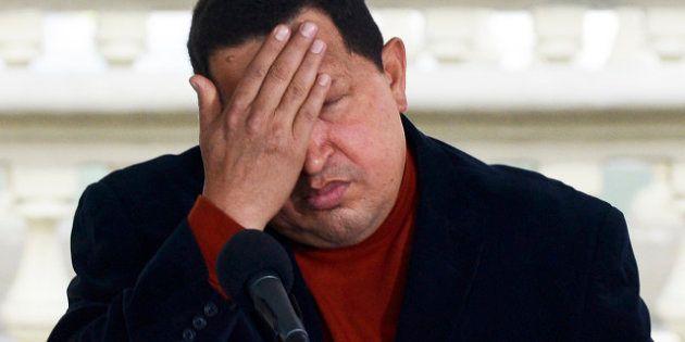 Hugo Chavez souffre de complications après une grave infection pulmonaire: le gouvernement dénonce une...