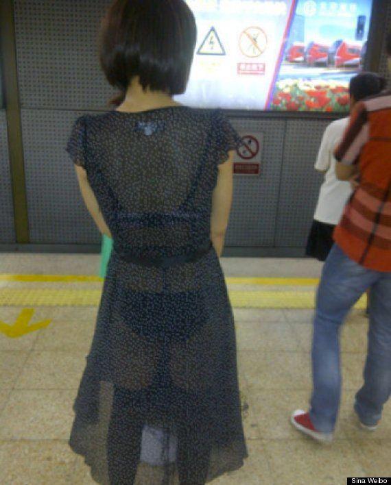 Le métro de Shanghai publie l'image d'une femme habillée sexy en lui disant qu'elle devrait s'attendre...
