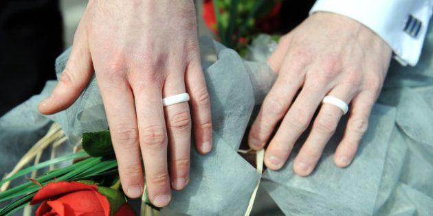 Mariage homosexuel: Dominique Bertinotti annonce un projet de loi pour la
