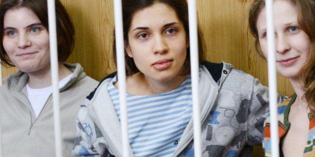 En réponse à la naturalisation russe de Depardieu, EELV demande de faire les Pussy Riot citoyennes d'honneur...