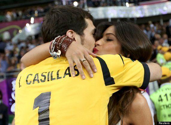 VIDÉO. Iker Casillas et Sara Carbonero s'enlacent, mais pas de