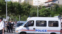 Marseille: les policiers devant le