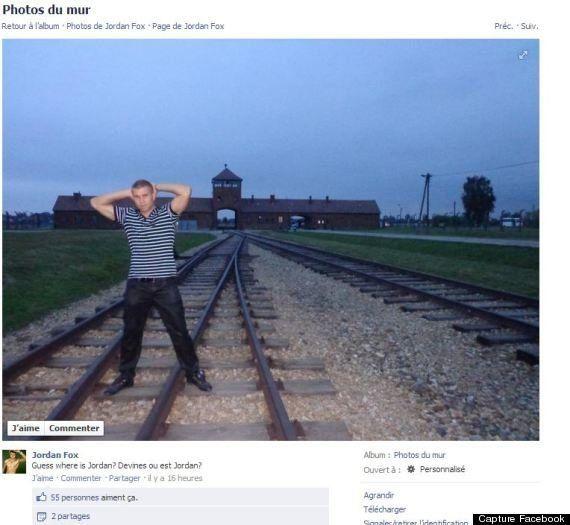 La photo d'un acteur porno prenant la pose devant le camp d'Auschwitz Birkenau fait