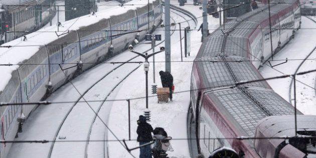 Perturbations dans les transports: la neige va continuer à poser problème lundi dans les airs et sur...