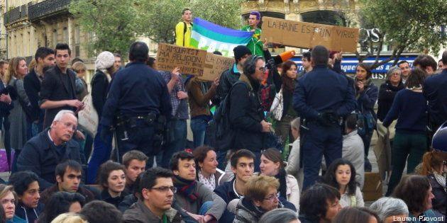 Mariage gay à Montpellier: une soirée de face à face entre veilleurs et militants