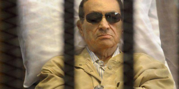 Egypte: Hosni Moubarak retourne en prison, sur ordre du
