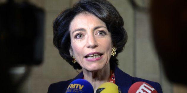 La cigarette électronique dangereuse : Marisol Tourraine veut l'interdire dans les lieux