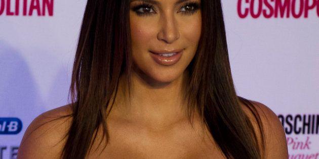 PHOTOS. Sculpture de Kim Kardashian enceinte et nue: l'artiste Daniel Edwards frappe