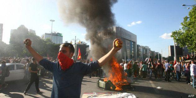 Manifestations en Turquie: A Istanbul et Ankara, les manifestants continuent à défier le