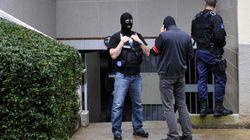 Cellule islamiste: cinq des douze personnes en garde à vue ont été
