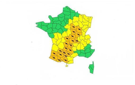 Orages: 13 nouveaux départements en alerte orange, 21 au