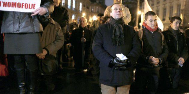 PHOTOS. L'Institut Civitas fait une prière de rue devant l'Assemblée nationale contre le mariage