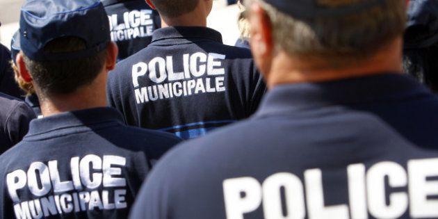 Une voiture de police, percutée par un chauffard, tue une prostituée à