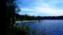 Paradisiaque et mortel: le lac de Beaumont où plongent les mecs des