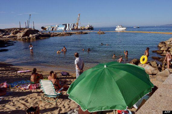 L'épave du Concordia attire toujours les touristes 6 mois après le