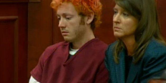 James Holmes, le tueur de Denver (Colorado), comparaît devant la justice, visiblement sous