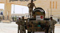 Damas brandit la menace des armes