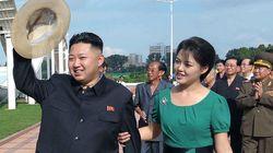 Kim Jong-un présente sa femme au