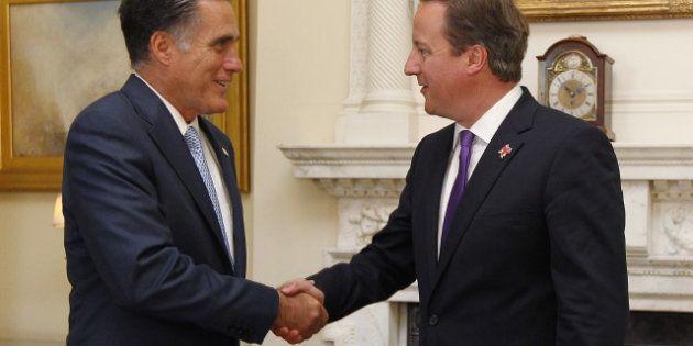 Romney enchaîne les couacs pour sa première tournée