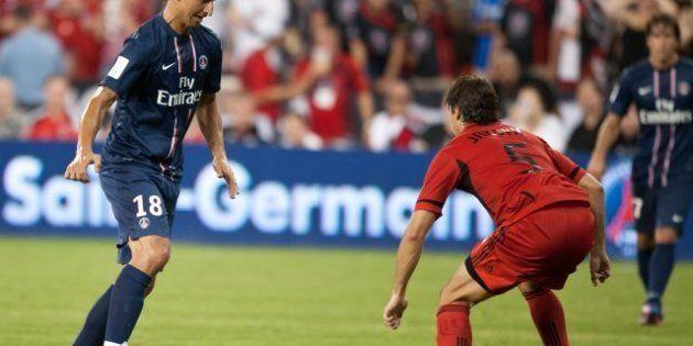 VIDÉOS. Zlatan Ibrahimovic marque son premier but sous le maillot du PSG, l'Olympique Lyonnais remporte...