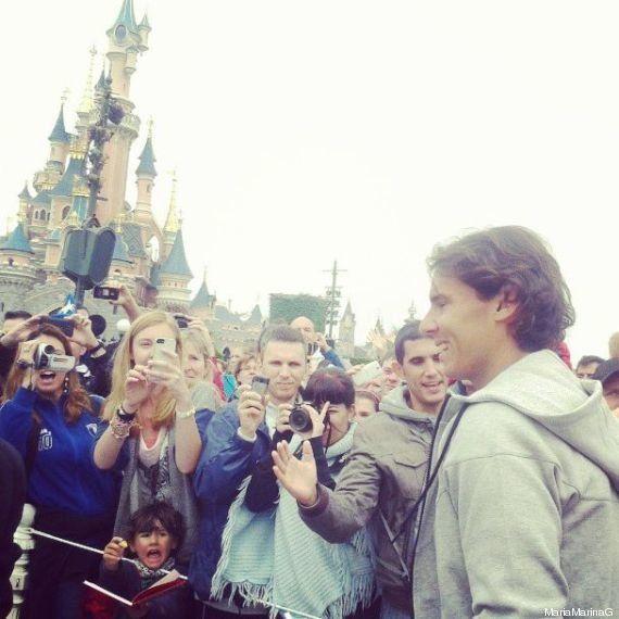 Rafael Nadal fête son trophée à Disneyland